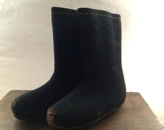 Vintage black wool boots Black woolen boots Felted wool winter boots Black felt boots