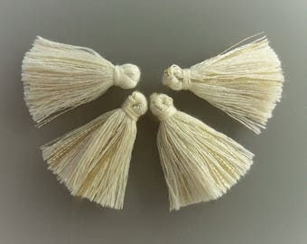 4 pompons threads 2.5 cm beige and gold