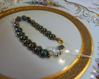 Czech Glass Green/Gold Cabochon and Seed Beads Glass Beaded Bracelet with Lobster Clasp