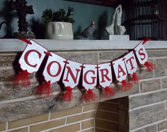 Congrats Graduation Banner in Shimmer White and Red with Graduation Cap Embossing Pattern