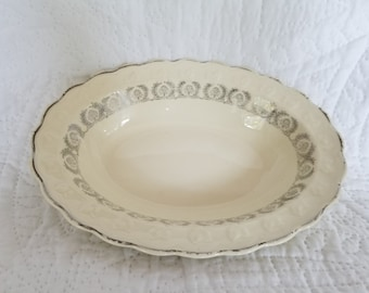 """Beautiful Taylor Smith Taylor 9"""" oval serving dish"""