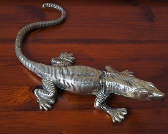 Vintage brass lizard, varan figurine.