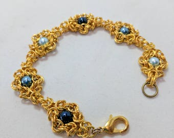 DaisyChain Blue Pearl Beads set in Gold Byzantine Bracelet