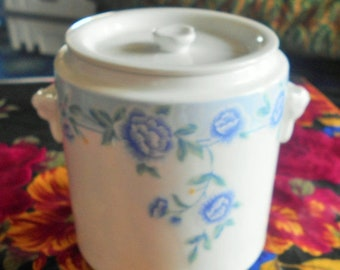 FLASH SALE White Jade Porcelain Jar Container with Lid