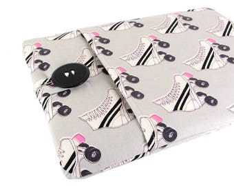 """Women's Laptop Sleeve 15.6"""" - Custom Sized To Your 15 Inch Laptop - Padded With Pocket, Roller Skate Fabric"""