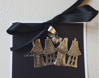 Pendant houses and little Church under the hand made silver sun of GLMeetheArt