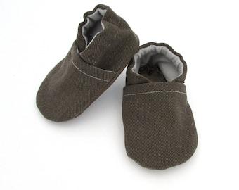 Olive Brushed Denim Cabooties // Hunter Green, Solid Color, Gender Neutral Girl Boy, Handmade Vegan Baby Shoe, Baby Moccasins, Infant Moccs