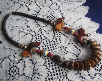 vintage NECKLACE with Carved WOOD ANIMALS and Beads**Jewelry