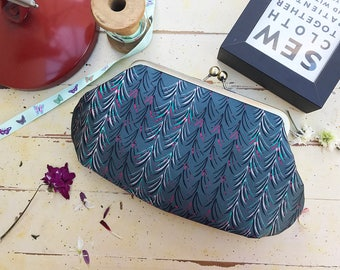 Evening bag with strap/mom gifts from daughter/wedding clutch/bridesmaid clutch/bridesmaid gift ideas/sister gift ideas/kiss lock clutch