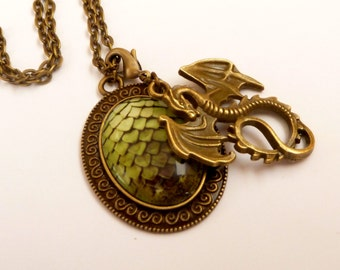 Fantasy necklace in green bronze with dragons and dragon egg, LARP necklace, Medieval Necklace, magicians, fairy tales, oval necklace