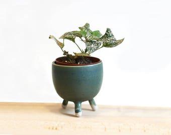 Pot that works - planter - ceramic craft