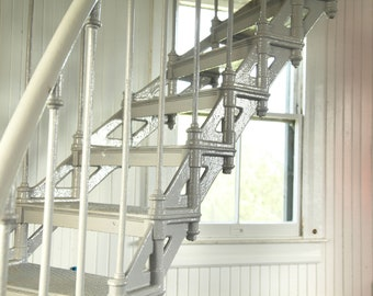 Hold On Tight    Photographie de McKee    Escaliers    En métal