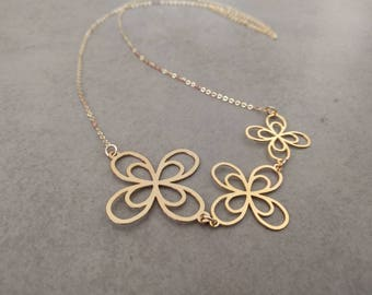 Gold Flower Necklace, Flower Necklace, Long Necklace, Flower Jewellery, Wedding Jewelry, Everyday Necklace, Gold Pendant Necklace, Flowers