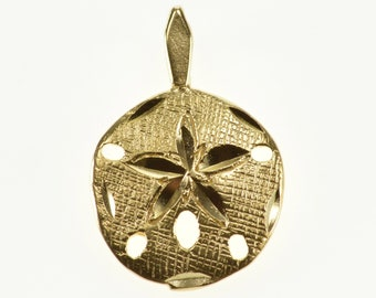 14k Crosshatch Textured Sea Shell Sand Dollar Pendant Gold