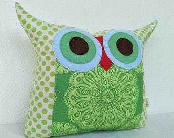 Green Owl pillow / green nursery decor/ home decor /living room decoration/ for her /owl pillow,owl cushion,owl decoration