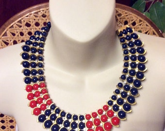 Red and blue beaded bib necklace. Vintage 1980s. Excellent condition.