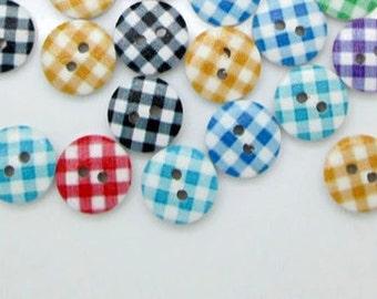 15 wooden buttons printed check