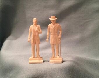 Miniature Civil War Figurine Set. White Plastic Abraham Lincoln Robert E Lee Figurines. Civil War Diorama President General Accessories