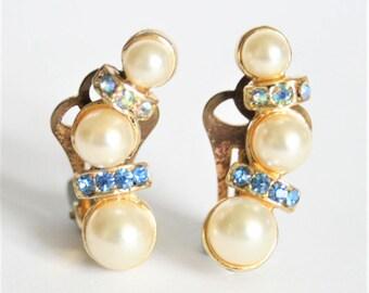 Pearl and crystal earrings.  Clip on earrings. Blue crystal earrings. Vintage earrings.  Vintage jewellery