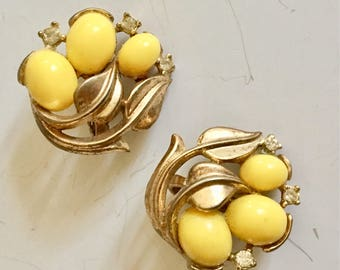 Vintage trifari earrings brushed gold with egg yolk yellow glass stones