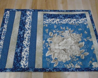 Placemats,Handmade Placemats,Set of 4 Placemats,Floral Placemats,Quilted Placemats,Blue Placemats,Cream Placemats,Blue Kitchen Placemats