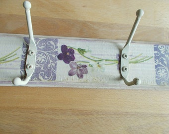 VIOLETS ,,A pretty and unique cot peg shabby chic very country cottage