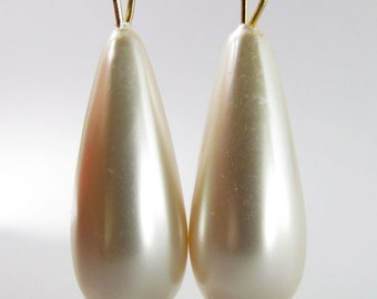 6 Vintage 38mm Faux Teardrop Ivory Pearl Pendants Pd670