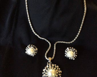 Vintage Rhinestone and Pearl Necklace & Earring Set