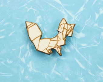 Origami Fox pin badge - gift for lovers of Japan, paper folders, origami jewelry, Japanese jewellery, kitsune, Japanese jewellery