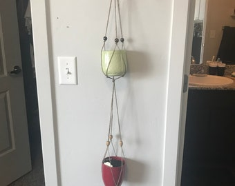 Double hanging plant holder with beads