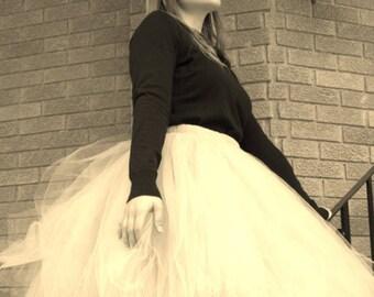 White Tulle Skirt Women's Tutu  Elastic Waist Tulle Skirt In Knee Tea or Long Wedding Skirt Bridesmaids Engagement Photos Bachelorette