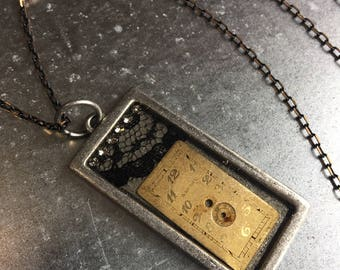 Watch Face Assemblage jewelry   Watch Parts Resin Pendant Necklace with Lace