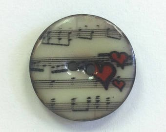 Fancy hearts and music 28 mm coconut button