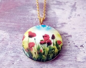 Locket,brass locket,locket necklace,Red Poppy Flowers ,gold locket,jewelry,germany,gift for her,vintage necklace,gift,abstract,patterns,