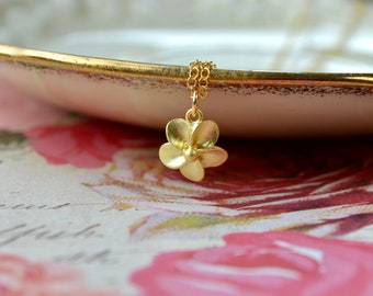 Gold Flower Necklace, Gold Vermeil Necklace, Dainty Flower Necklace, Gold Flower Pendant, Bridesmaid Gift for Women, Mothers Day Present