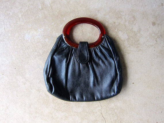 Tortoise Handle Leather Clutch   Vintage 60s Black Leather Purse with Amber Lucite Handles Small Mod Handbag Modern Chic Hand Bag