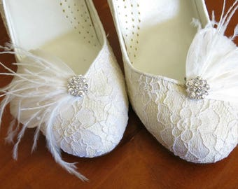 Wedding Shoe Clips, Bridal Shoe Clips, Feather Shoe Clips, Champagne Ivory Shoe Clips, Rhinestone Shoe Clips, Wedding Shoes