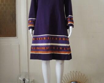 Vintage 60s Mod Embroidered High Neck Dress Turtleneck Wool