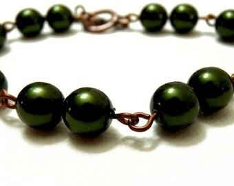Delicate Dark Hunter Green Pearl Chain Bracelet