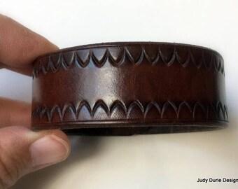 Border stamped cuff