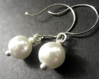 White Pearl Earrings. Custom Color Pearl Earrings. Bridal Earrings. Bridesmaid Earrings. Handmade Jewelry.