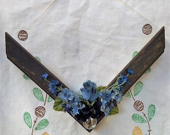 Blue Floral Wall Hanging | Housewarming Gift | Floral Arrangement Decor