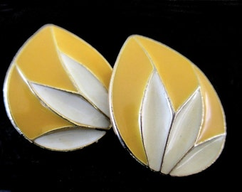 Leaf Design Earrings * Yellow Cloisonne Enamel * Classic Vintage