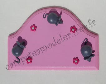 Pink mouse door grey