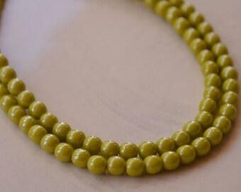 100 Czech Druk Avocado Green Luster Beads 4mm (264-100)