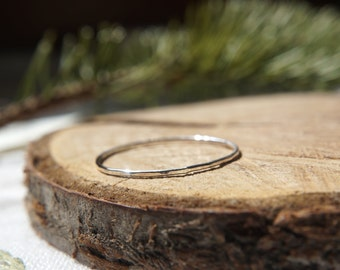 THIN hammered stackable ring - Sterling Silver / Dainty jewelry / Gift for her