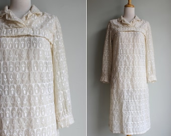 FINAL SALE Vintage Handmade Floral Embroidered Ivory Shift Dress - Medium