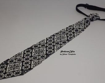 Ukrainian mens tie Ukrainian ornament Ukrainian EmbroideryTie Men Gift Men Accessories Gift Ukrainian style Ukrainian jewelry Seed beads tie