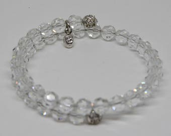 Lovely Silver tone and Plastic Beads Bracelet