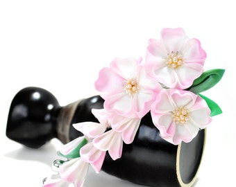 Pink Sakura Hair ornament. Silk Tsumami Kanzashi.  Custom gradation Cherry Blossoms. (Made to order. ) Fair Child.